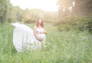 Ann Alzog - farbig - Babybauch - Outdoor