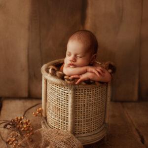 ann-alzog-farbig-newborn